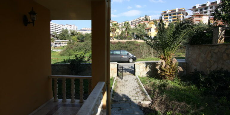 129000 Euro Beachfront Villa For Sale in Alanya Kestel 4