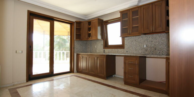 129000 Euro Beachfront Villa For Sale in Alanya Kestel 6