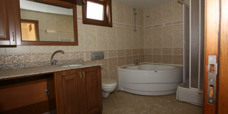 129000 Euro Beachfront Villa For Sale in Alanya Kestel 8