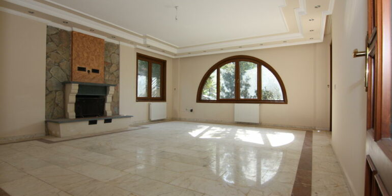 129000 Euro Beachfront Villa For Sale in Alanya Kestel 9