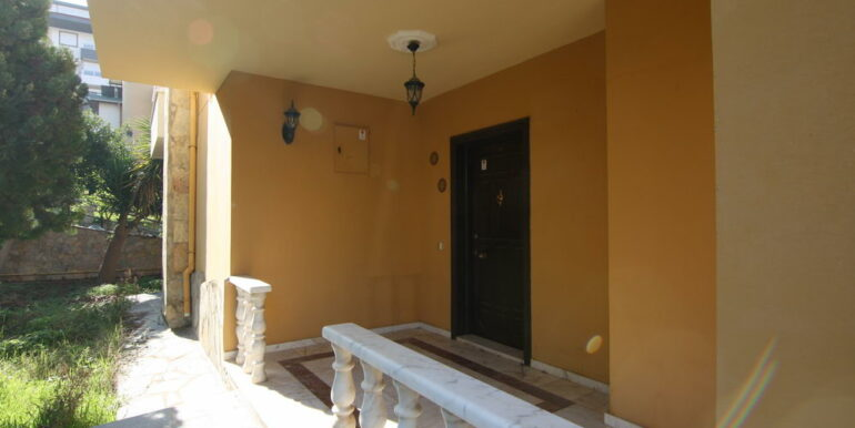 129000 Euro Beachfront Villa For Sale in Alanya Kestel 17