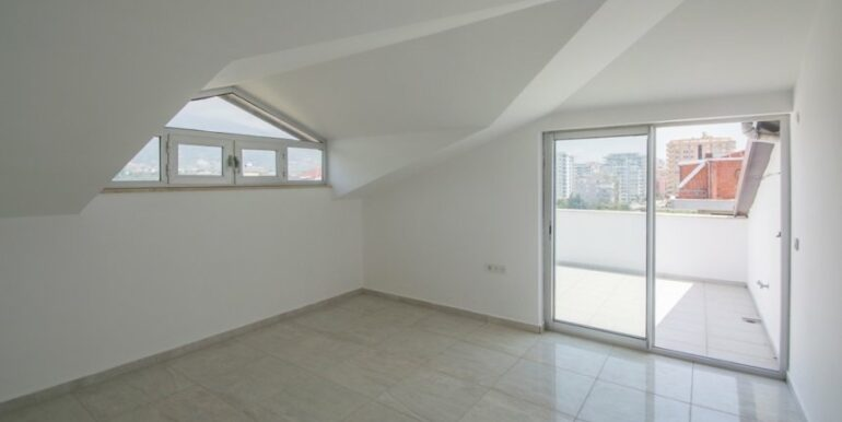 129000 Euro Penthouse For Sale in Alanya 26