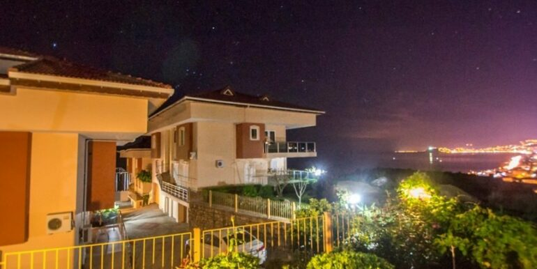 135000 Euro Penthouse For Sale in Alanya 2