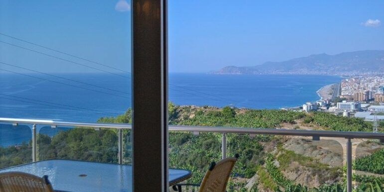 135000 Euro Penthouse For Sale in Alanya 21