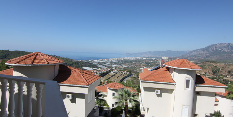 135000 Euro Sea View Villa For Sale in Alanya Kargıcak 1