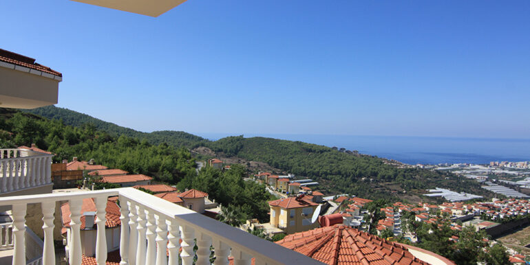 135000 Euro Sea View Villa For Sale in Alanya Kargıcak 4