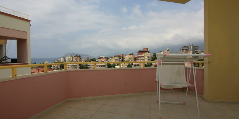 139000 Euro Beachfront Villa For Sale in Alanya 1