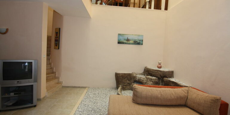 139000 Euro Beachfront Villa For Sale in Alanya 18