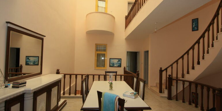139000 Euro Beachfront Villa For Sale in Alanya 20