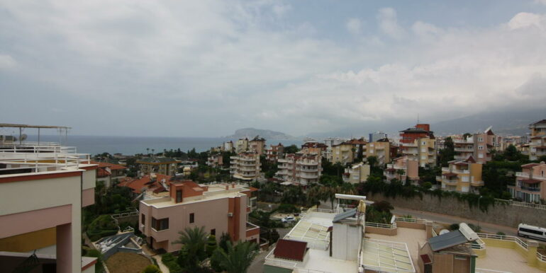 139000 Euro Beachfront Villa For Sale in Alanya 23