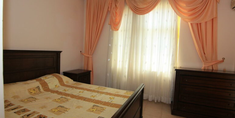 139000 Euro Beachfront Villa For Sale in Alanya 26