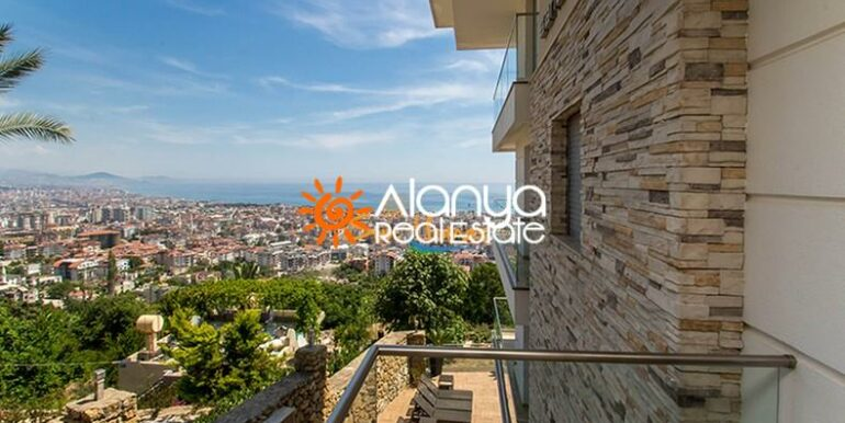 149000 Euro Sea View Penthouse For Sale in Alanya 3