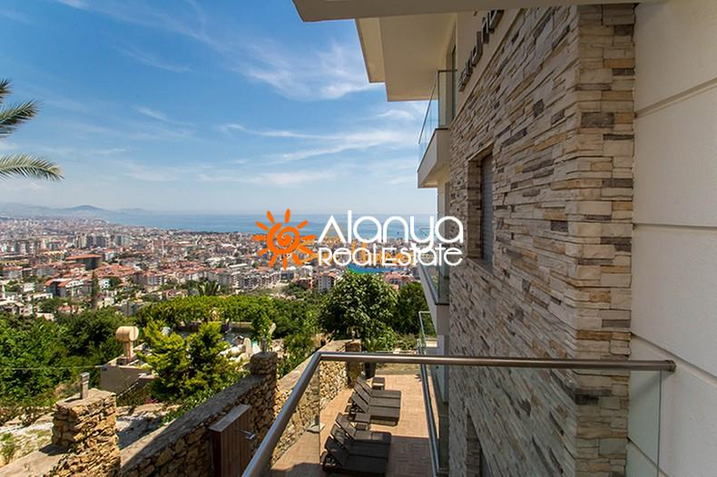 149000 Euro Sea View Penthouse For Sale in Alanya