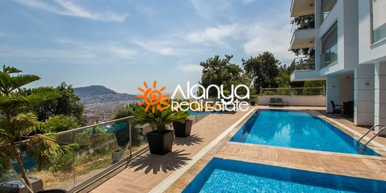 149000 Euro Sea View Penthouse For Sale in Alanya 14