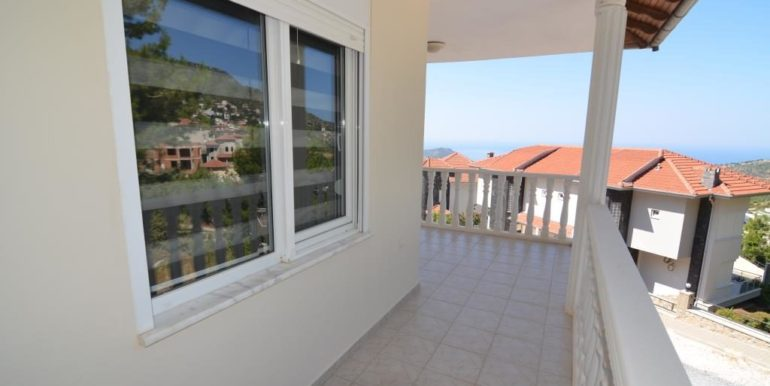 149000 Euro Sea View Villa te koop in Alanya 18