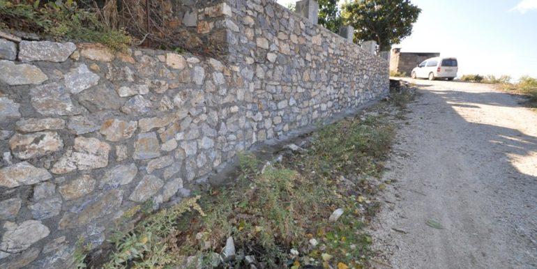 150000 Euro Plot With House For Sale in Alanya Demirtas 10