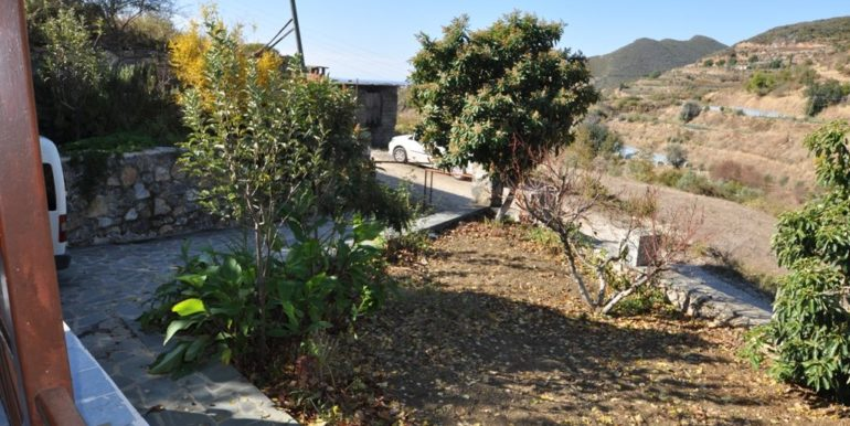 150000 Euro Plot With House For Sale in Alanya Demirtas 16