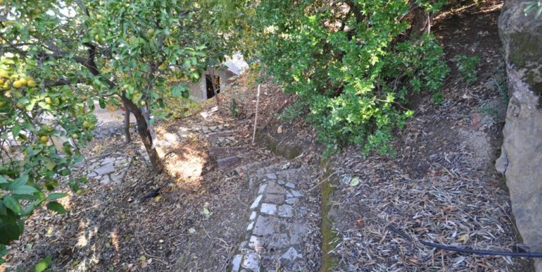 150000 Euro Plot With House For Sale in Alanya Demirtas 28