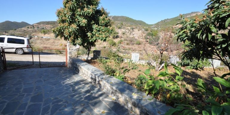 150000 Euro Plot With House For Sale in Alanya Demirtas 34