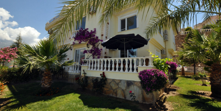 157000 Euro Villa For Sale in Alanya Kargicak