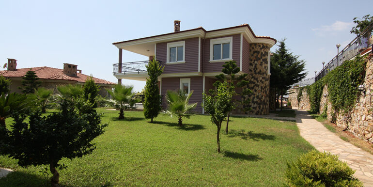159000 Euro Beachfront Villa For Sale in Alanya 3