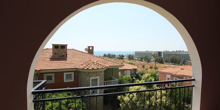 159000 Euro Beachfront Villa For Sale in Alanya 8
