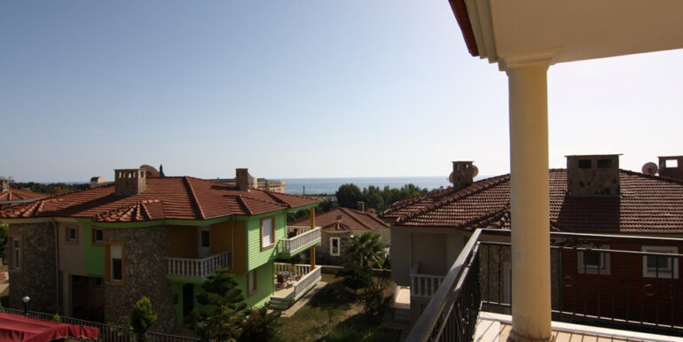 159000 Euro Beachfront Villa For Sale in Alanya 9
