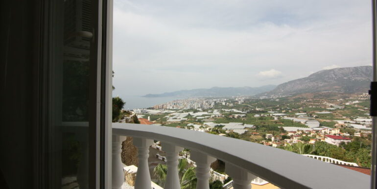 159000 Euro Sea View Villa For Sale in Alanya 5