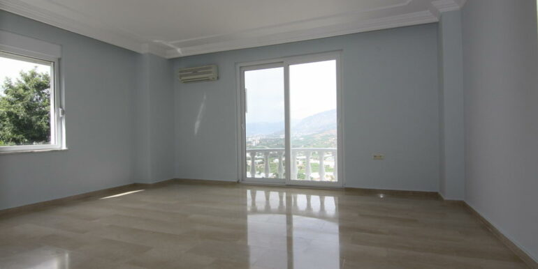 159000 Euro Sea View Villa For Sale in Alanya 12