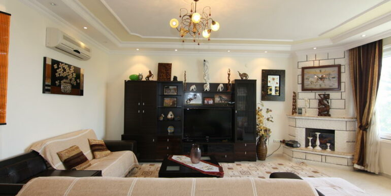 165000 Euro Beachfront Villa For Sale in Alanya 2