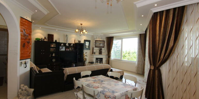 165000 Euro Beachfront Villa For Sale in Alanya 3