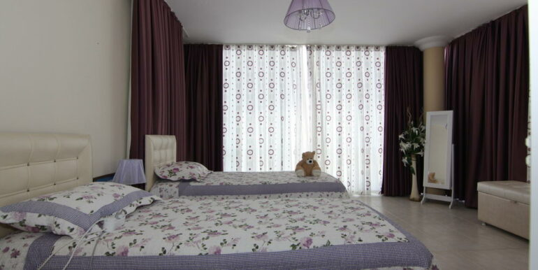 165000 Euro Beachfront Villa For Sale in Alanya 14