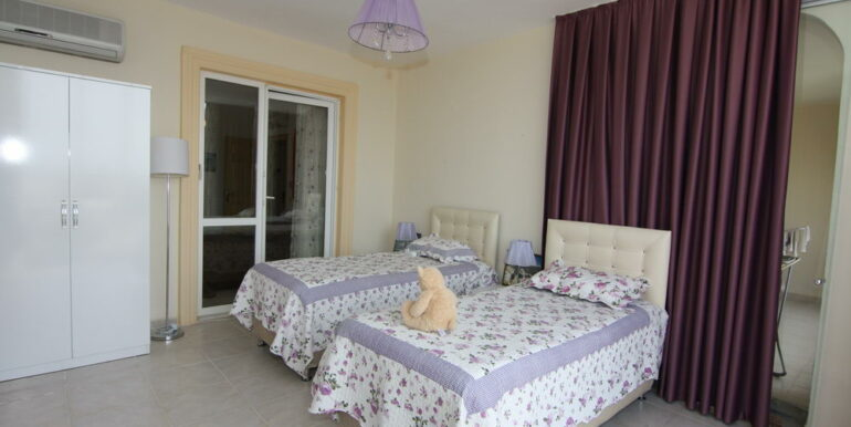 165000 Euro Beachfront Villa For Sale in Alanya 15