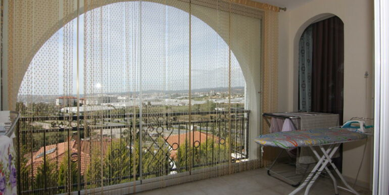 165000 Euro Beachfront Villa For Sale in Alanya 18