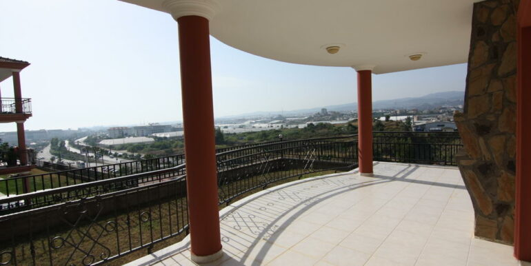 165000 Euro Private Villa For Sale in Alanya 1