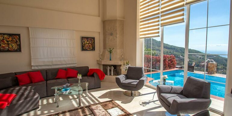 199000 Euro Sea View Villa For Sale in Alanya 2