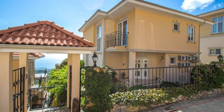 199000 Euro Sea View Villa For Sale in Alanya 19
