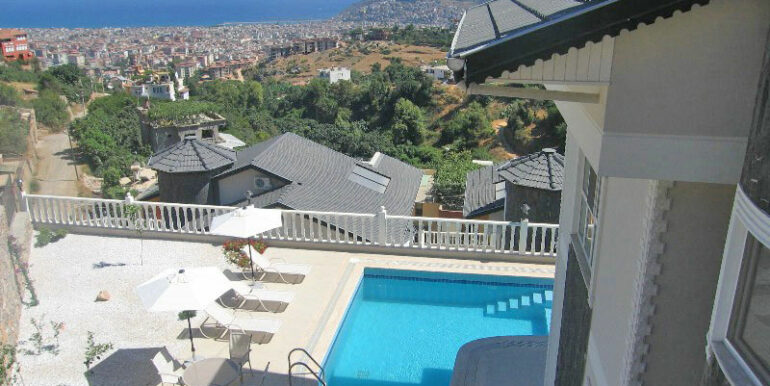 199000 Euro Sea View Villa For Sale in Alanya Tepe 3