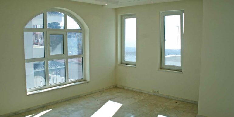 199000 Euro Sea View Villa For Sale in Alanya Tepe 14