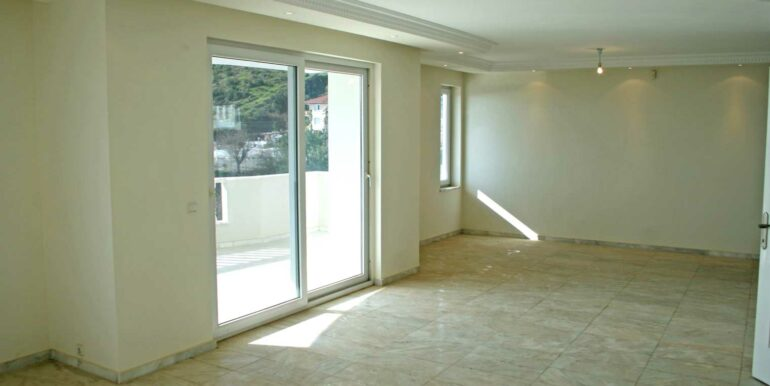 199000 Euro Sea View Villa For Sale in Alanya Tepe 15