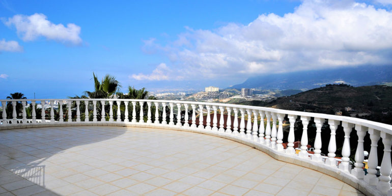 209000 Euro Sea View Villa For Sale in Alanya 14