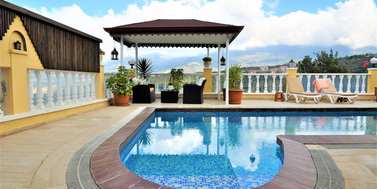 209000 Euro Sea View Villa For Sale in Alanya 18