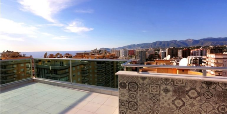 210000 Euro Penthouse For Sale in Alanya Dolce Vita Complex 19