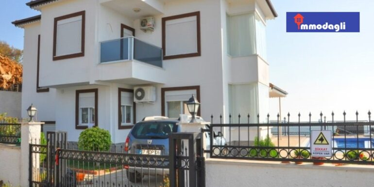 230000 Euro Villa For Sale in Alanya 3