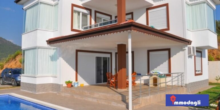 230000 Euro Villa For Sale in Alanya 4