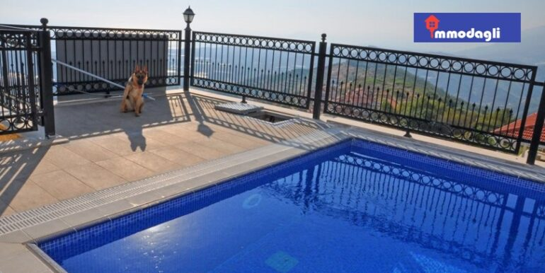 230000 Euro Villa For Sale in Alanya 6