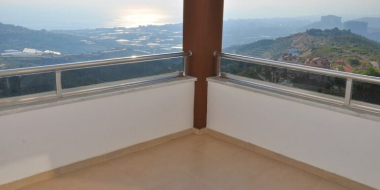 230000 Euro Villa For Sale in Alanya 13