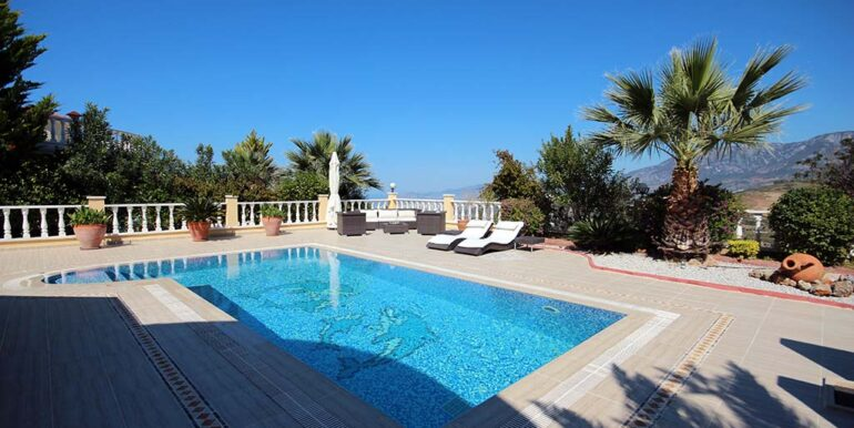 249000 Euro Private Villa Te Koop in Alanya Kargicak 1