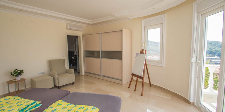 249000 Euro Sea View Villa For Sale in Alanya 67