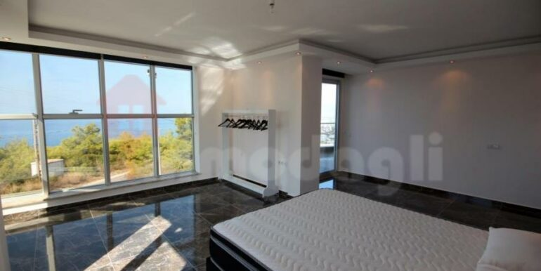 250000 Euro New Villa For Sale in Alanya 12